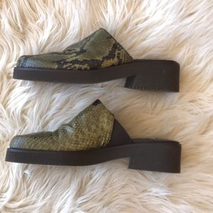"""Donald J. Pliner Shoes - Donald J.Pliner snake skin 5"""""""
